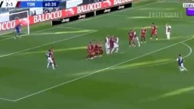 O golaço de Cristiano Ronaldo de livre direto no dérbi de Turim