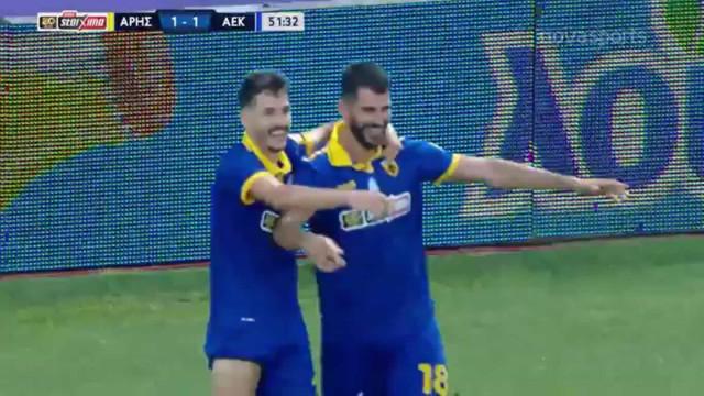 Nélson Oliveira encanta na Grécia com estes dois golos frente ao Aris