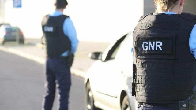 Mulher violou confinamento e estava a atender ao público em Grândola
