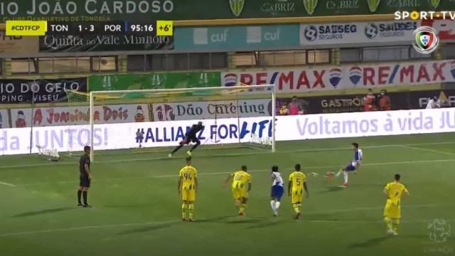 Fábio Vieira marcou de penálti e Marega ficou 'em brasa'