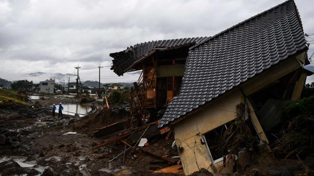 Japão pede a retirada de mais de 230 mil pessoas devido a chuvas intensas