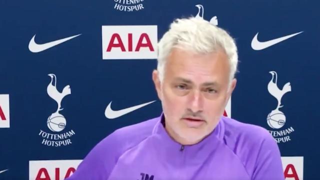 Mourinho garante que deixou de festejar os golos e explica porquê