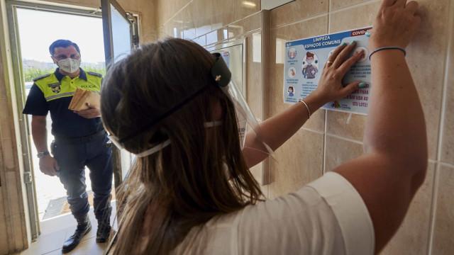 AO MINUTO: Espanha reforça medidas; Som da tosse identifica Covid-19
