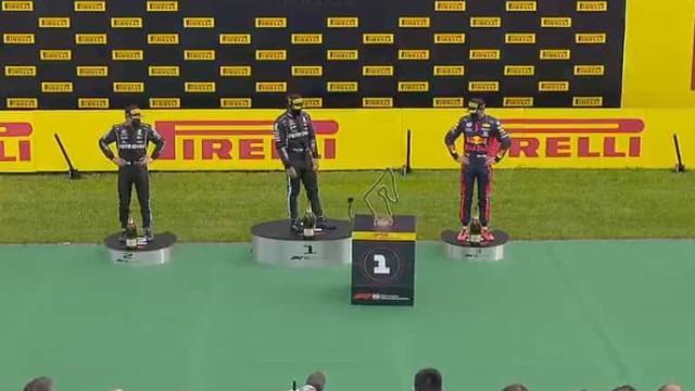 O novo robô da Formula 1 que está a roubar atenções no final das corridas