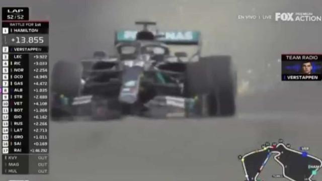 Ver para crer: Hamilton termina com pneu furado mas não larga a liderança