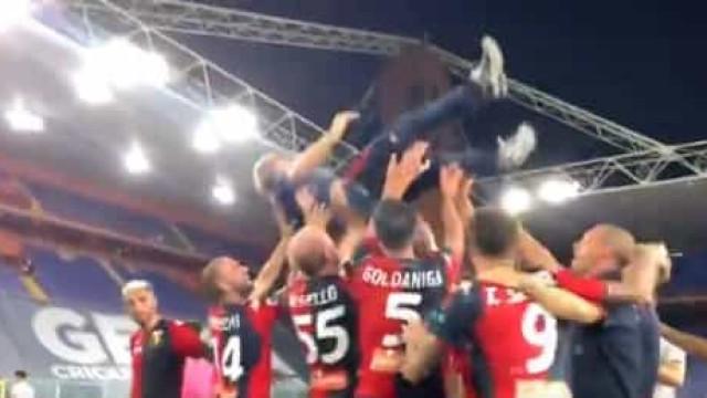 O alívio de quem fica na Serie A: eis os festejos do Genoa