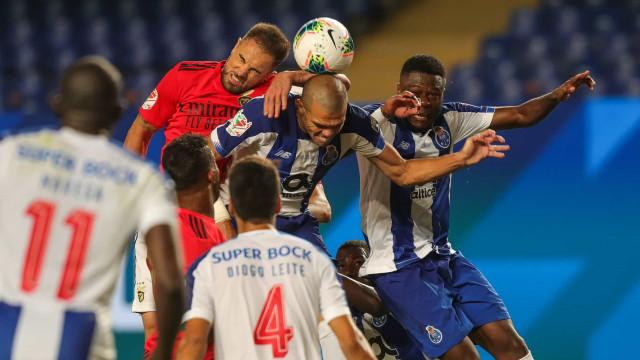 Pepe terá tentado agredir jogadores do Benfica ao intervalo