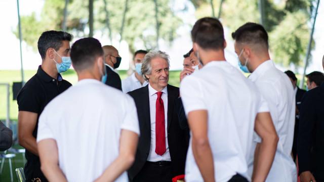 As melhores imagens da apresentação de Jorge Jesus no Benfica