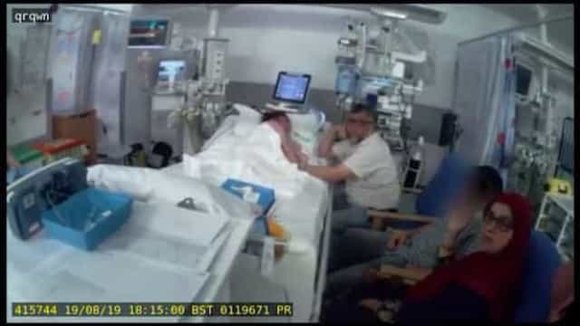 Prestes a perder a filha, pai é afastado à força de cama de hospital