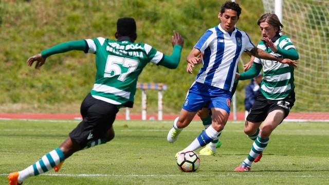 Ex-FC Porto sofreu acidente de viação e foi transportado para o hospital