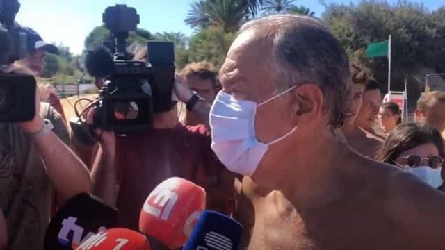 Presidente Marcelo resgata jovens em praia do Algarve