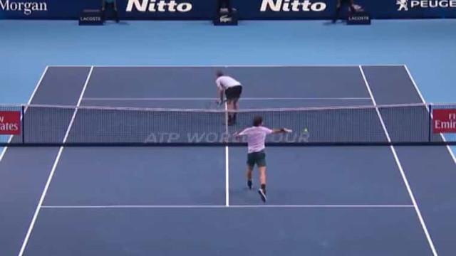 Federer cumpre 39 anos e ATP recorda melhores momentos do suíço