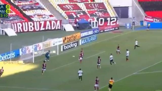 Filipe Luís 'borrou a pintura' no primeiro jogo pós-Jesus no Flamengo