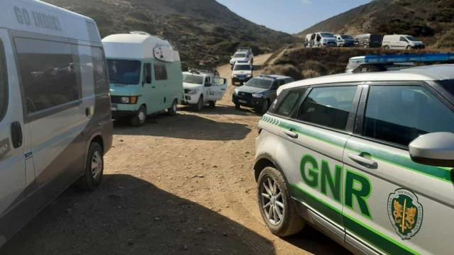 Campismo ilegal fiscalizado em Vila do Bispo. Ação resultou em 116 autos