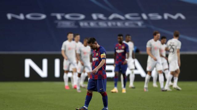 As imagens de uma descalabro catalão. Barça não vê Luz ao fundo do túnel