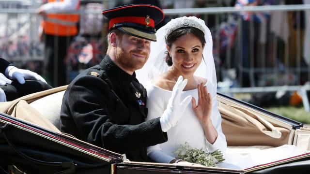 Isabel II não deixou Meghan Markle usar a tiara que queria no casamento