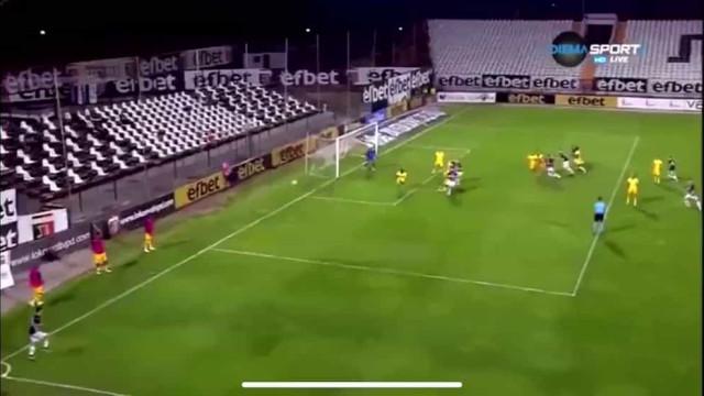 Este golo de canto quase tirou a Liga Europa ao Tottenham de Mourinho