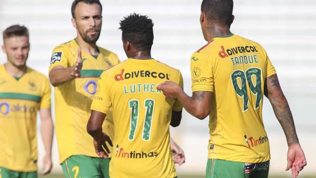 Paços de Ferreira com dois casos positivos a horas do jogo com o Sporting