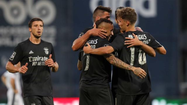 Waldschmidt teve 'Fama' e Benfica esquece humilhação europeia com goleada