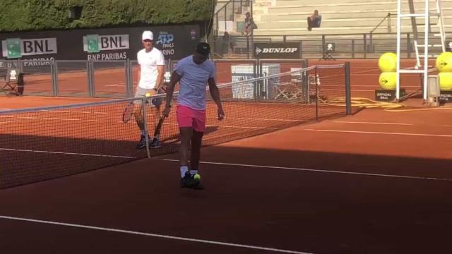 Nadal deixa as raquetes de lado e dá 'show de bola' no ATP de Roma