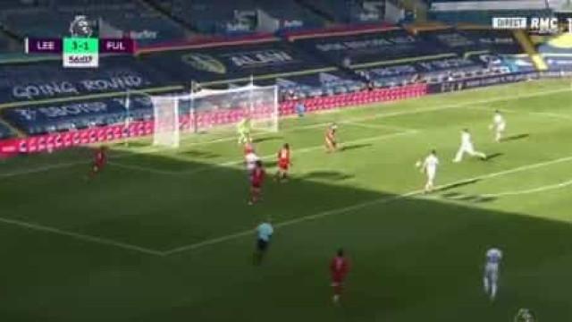 Hélder Costa está de pé quente e já bisou frente ao Fulham