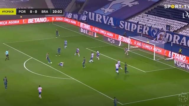 Castro 'trai' FC Porto e põe Sporting de Braga a vencer no Dragão