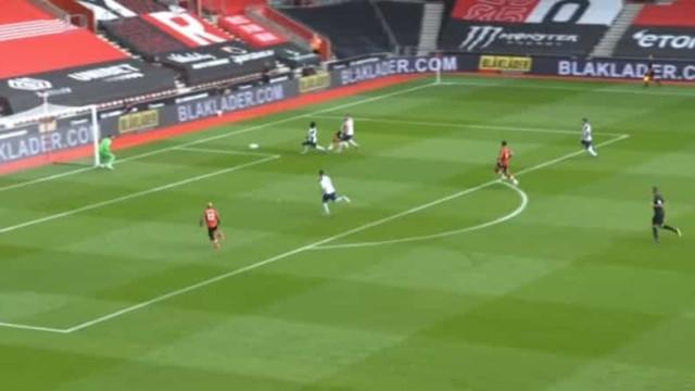 O golo de Danny Ings que colocou Mourinho em apuros