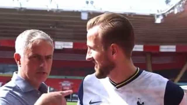 O momento em que Mourinho interrompe a flash interview de Harry Kane