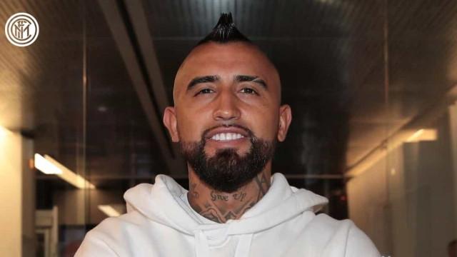 Vidal já está em Milão e deve ser oficializado pelo Inter em breve