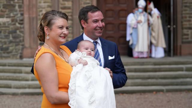 Filho dos grão-duques do Luxemburgo derrete corações em novas imagens