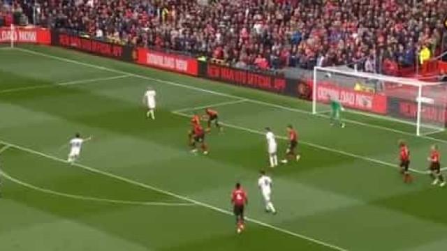 Há dois anos, Moutinho marcava um golaço que silenciava Old Trafford