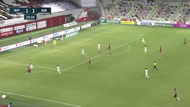 Pelo buraco da agulha. O golo de Iniesta pelo Vissel Kobe