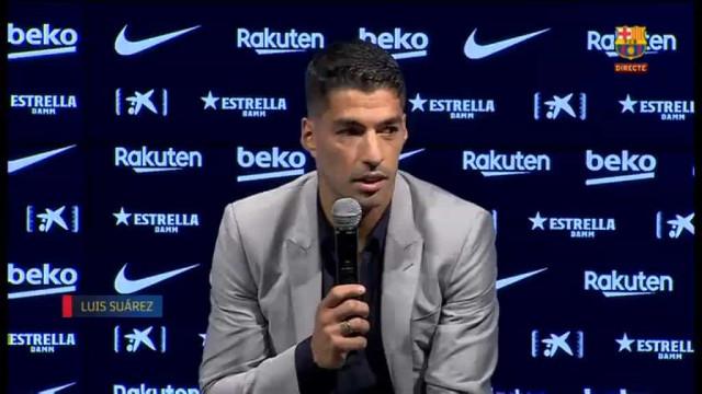 """Suárez não contém as lágrimas no adeus ao Barça: """"É muito difícil"""""""