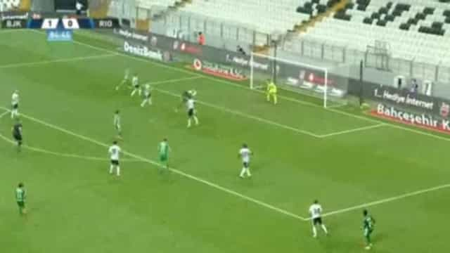 Cabeceamento fulminante de Bruno Moreira igualou marcador na Turquia