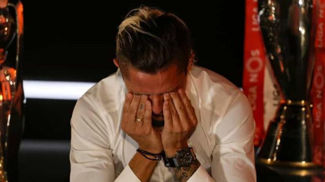 """Fejsa despede-se em lágrimas: """"Benfica até morrer!"""""""