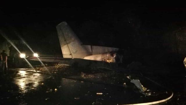 """Avião despenha-se na Ucrânia e faz 22 mortos. """"Europa está de luto"""""""