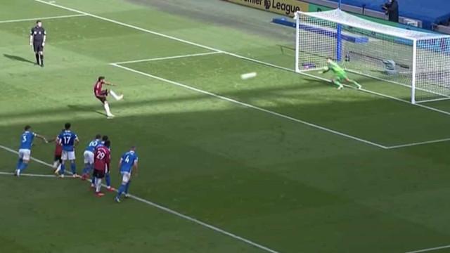 Bruno Fernandes marca aos 90+10 e dá três pontos ao United