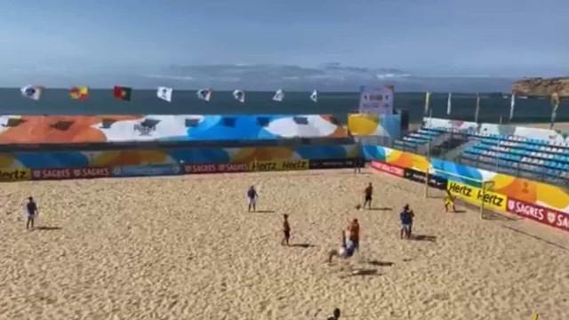 'Velhos são os trapos'. Hugo Almeida marca golaço no futebol de praia
