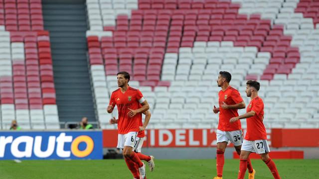 'Xerife' Rúben Dias indicou o caminho e Benfica segura a liderança