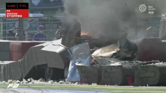Corrida de F2 interrompida. Acidente violento deixou carro em chamas
