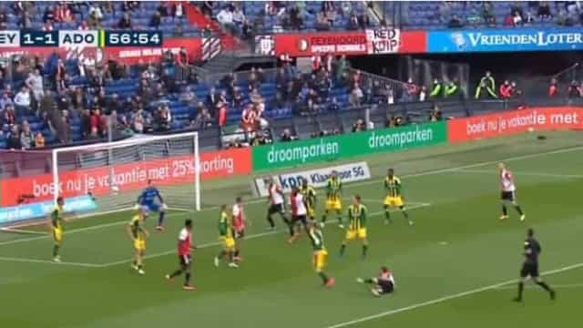 Este golo acrobático do Feyenoord é candidato a golo do ano
