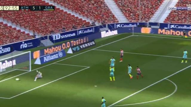 Suárez não podia pedir melhor no primeiro jogo. Avançado bisa na estreia