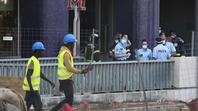As imagens do desabamento na estação do metro da Praça de Espanha