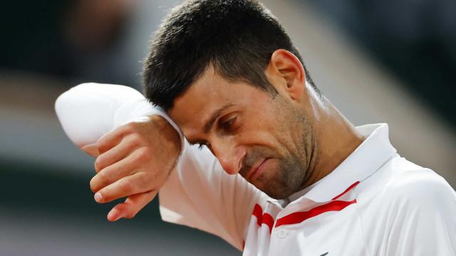 Roland Garros: Djokovic envia recado provocador a fã de Federer
