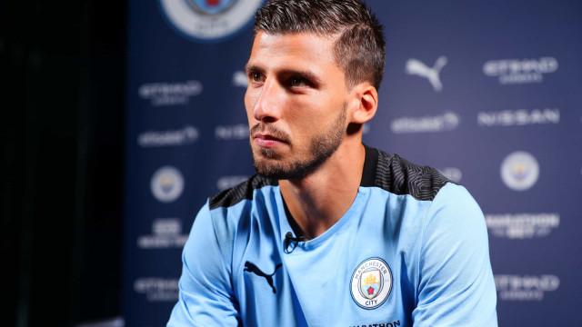 O resumo do primeiro dia de Rúben Dias como jogador do City