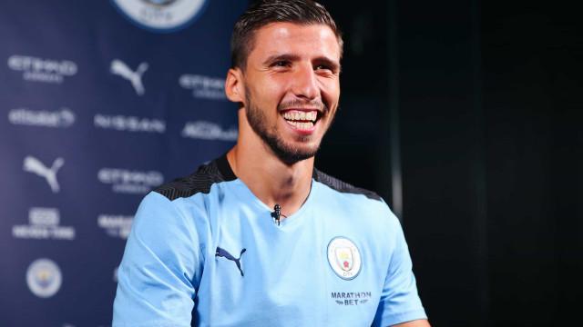 Manchester City confirma número de Rúben Dias e comete gafe monumental