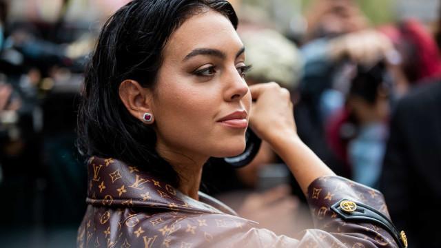Georgina Rodríguez muito bem acompanhada em saída à rua
