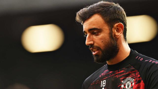 Solskjaer confirma: Bruno Fernandes passa a capitão do Manchester United