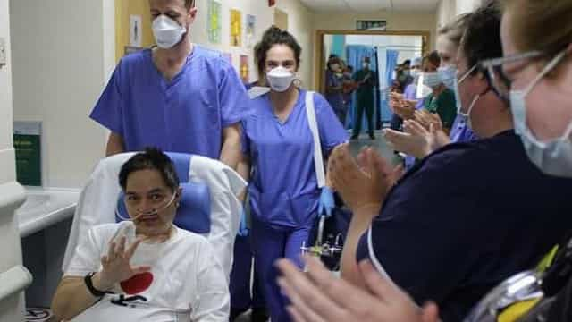 Doente que foi aplaudido ao sair da UCI há dois meses, morreu de Covid-19