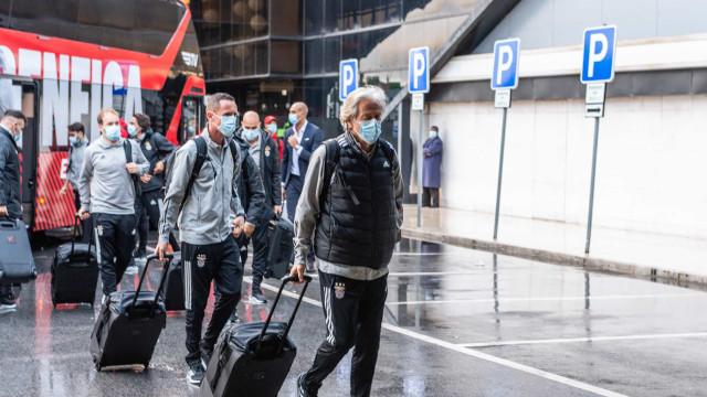 As imagens da partida do Benfica para a Polónia